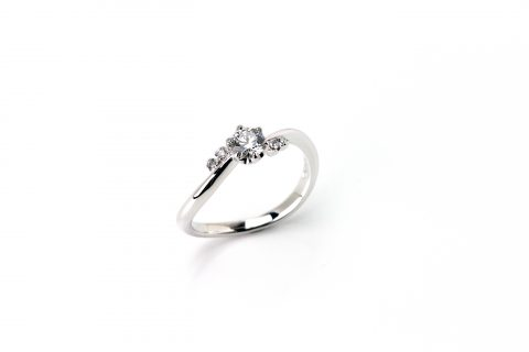 DITIQUE婚約指輪ダイアモンド
