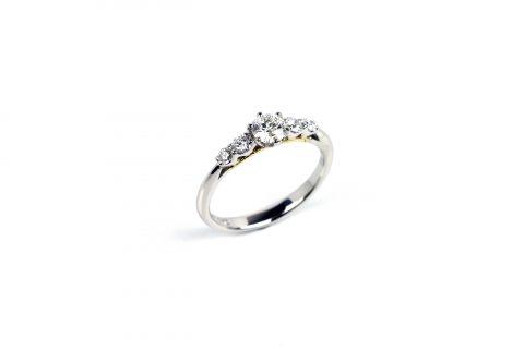 DITIQUE福岡北九州小倉婚約指輪エンゲージリングオーダー