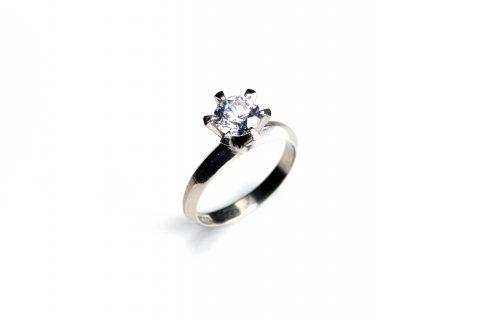 DITIQUEリモデル福岡北九州小倉立て爪婚約指輪