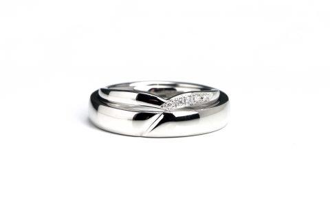 オーダーメイド結婚指輪福岡北九州DITIQUE小倉マリッジリングYリング重ねる