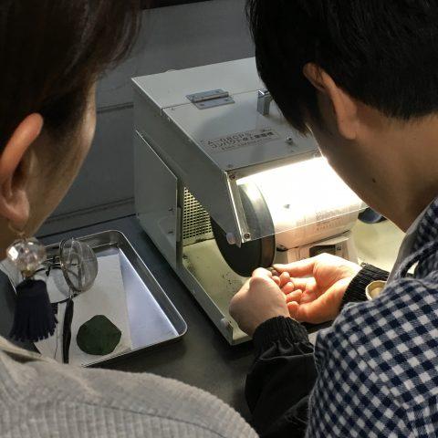 福岡手づくり結婚指輪DITIQUE小倉鍛造バフ