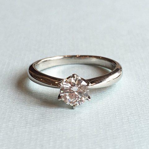 福岡北九州小倉ジュエリーDITIQUEエンゲージ婚約指輪0.4ctダイヤモンド