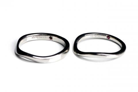 福岡手造りDITIQUES様カップル我流鍛造カーブ結婚指輪オプション