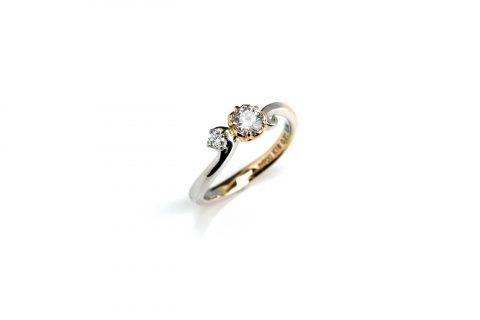ディズニーランドプロポーズ婚約指輪エンゲージリングDITIQUE福岡北九州小倉ジュエリーコンビ
