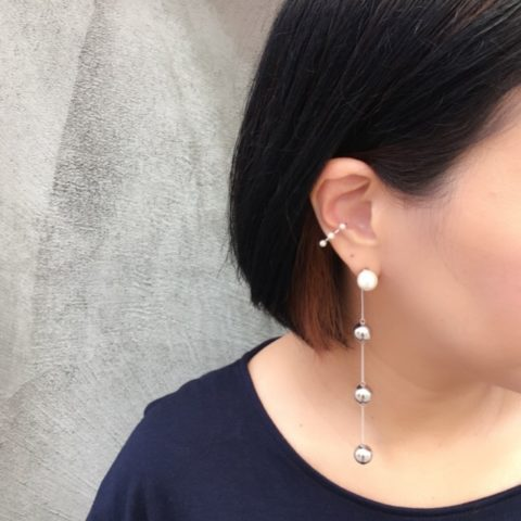 Polished pearl earcuffDITIQUE重着け