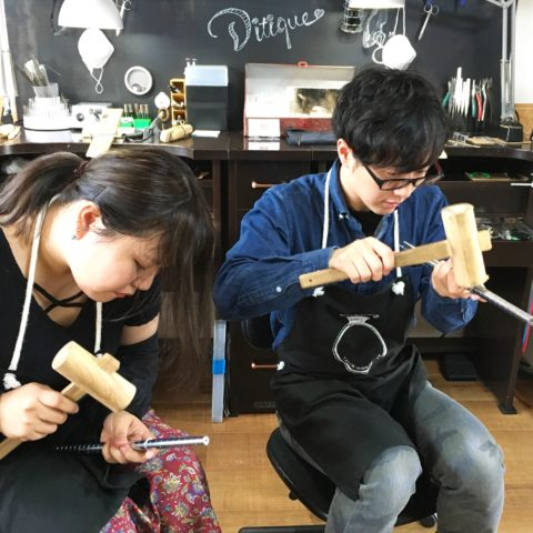 我流鍛造自分たちの結婚指輪は手づくりで福岡DITIQUE